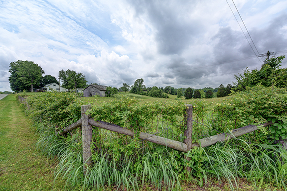 home for sale on Log Lick Road Winchester Ky